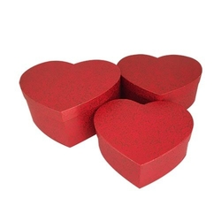 - 3'lü Kalp Kırmızı Kutu